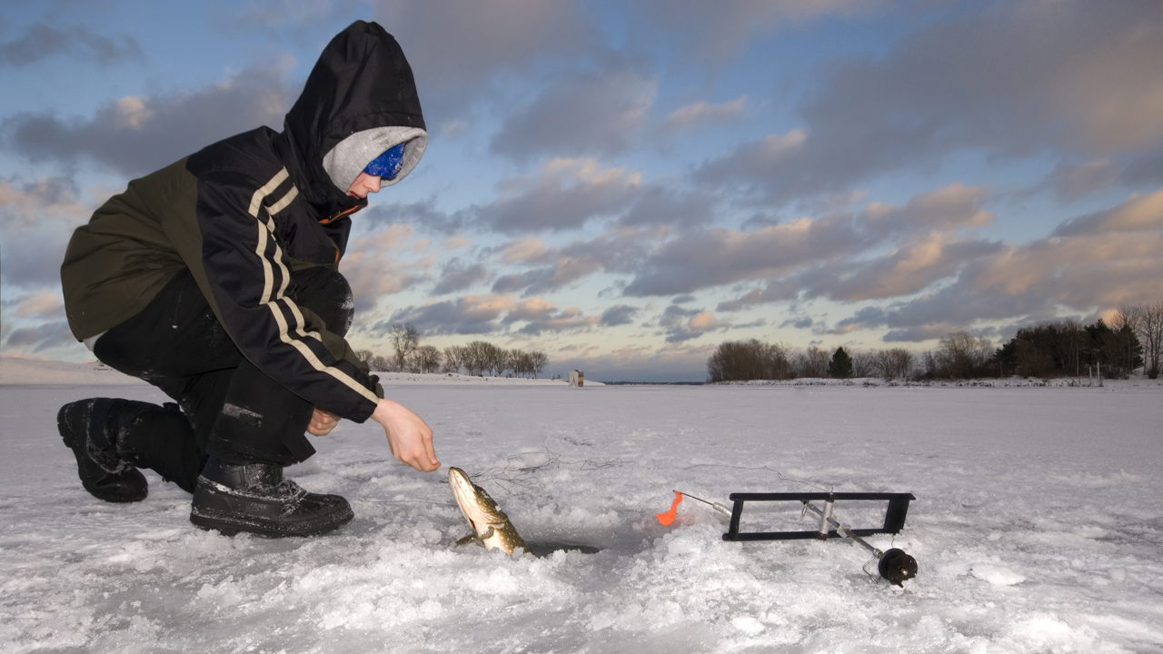 Michigan agency offers ice fishing class in Cadillac ...