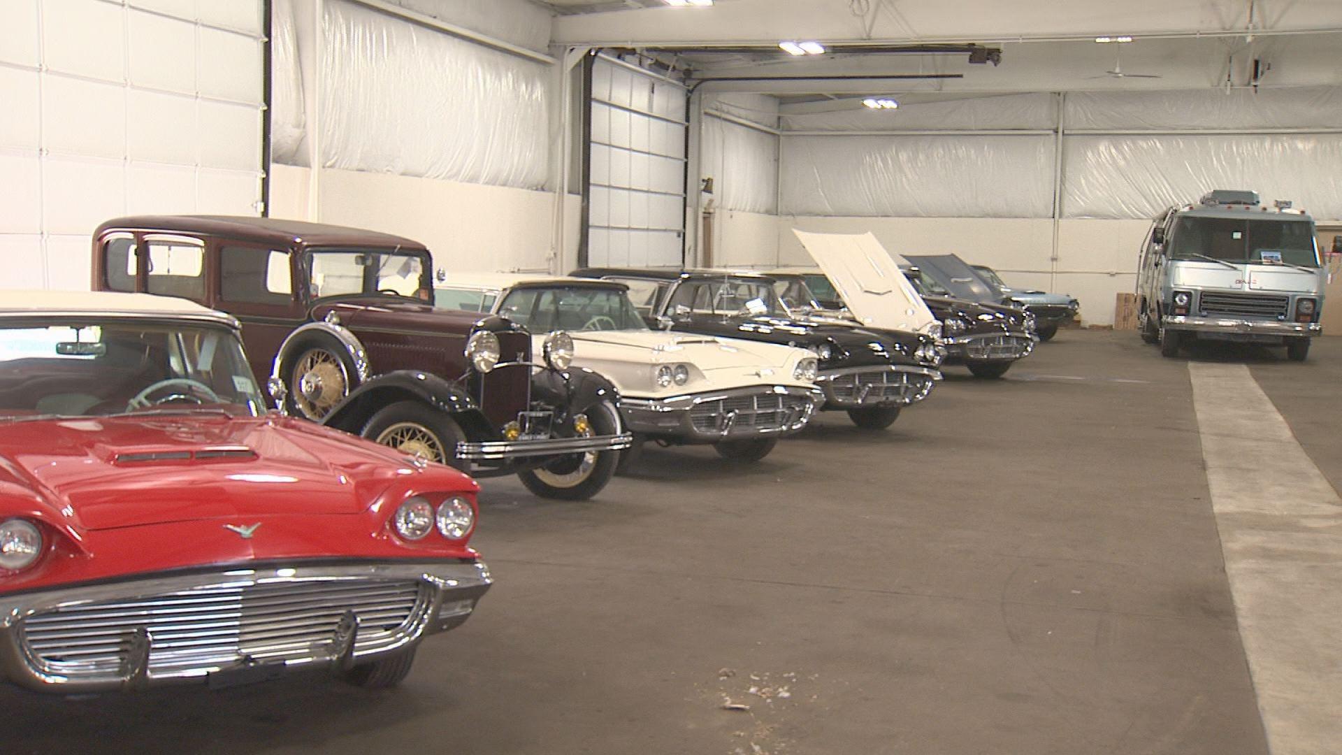 kgw.com   More than 50 classic cars found hidden inside Michigan barn