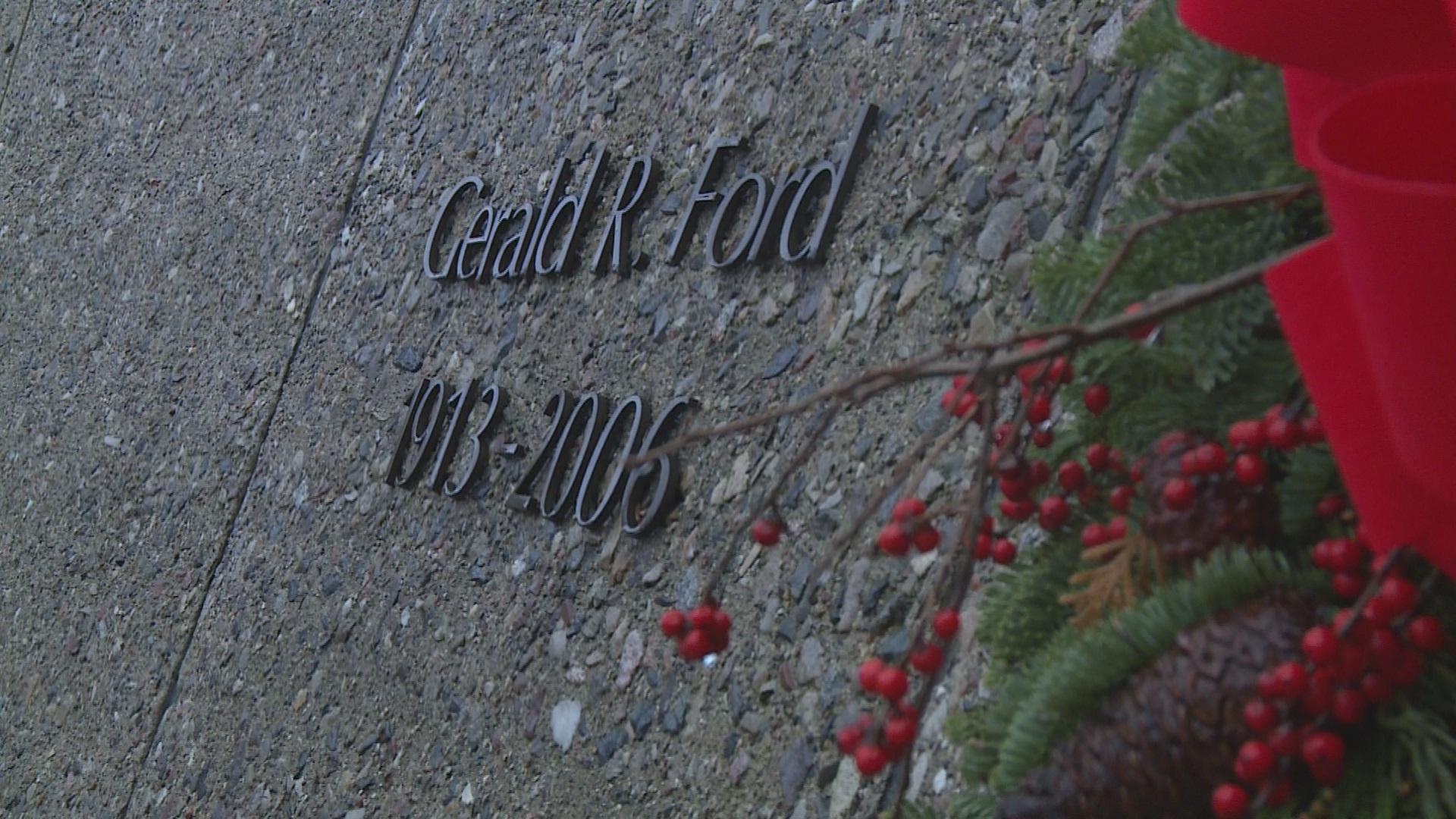 Remembering Gerald R Ford People Pay Respect On 10th