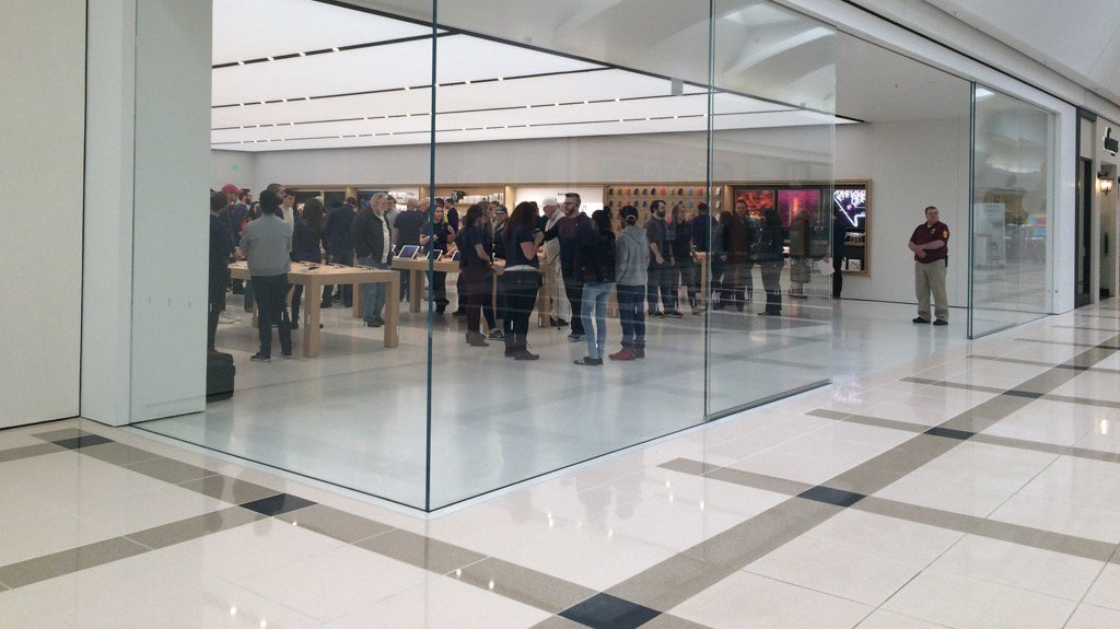 Apple Store In The Woodland Mall Fitness Epping